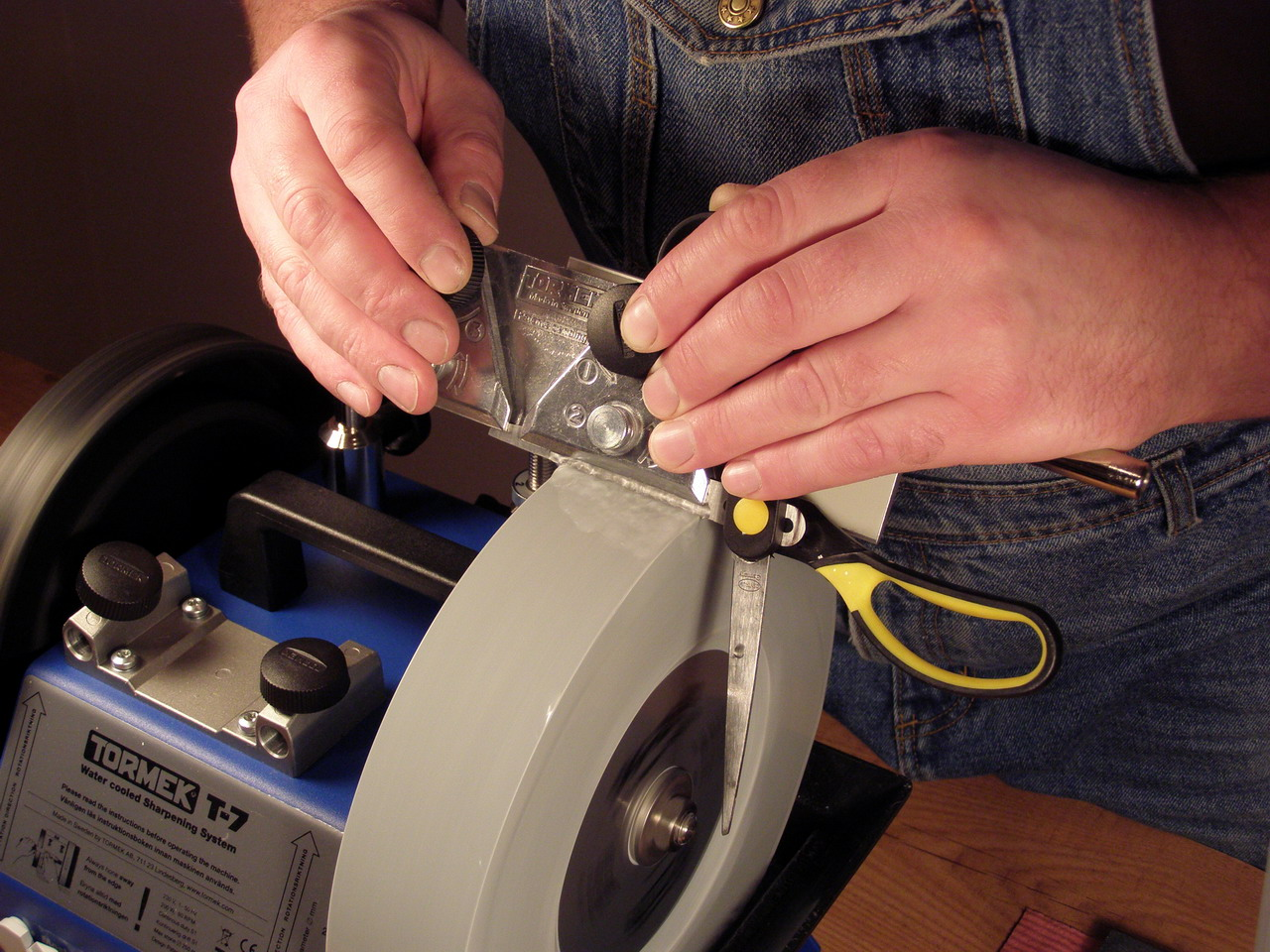 Манипулятор для заточки ножниц своими руками 43